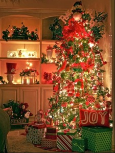 christmas-trees-decorated-sglqkx8d